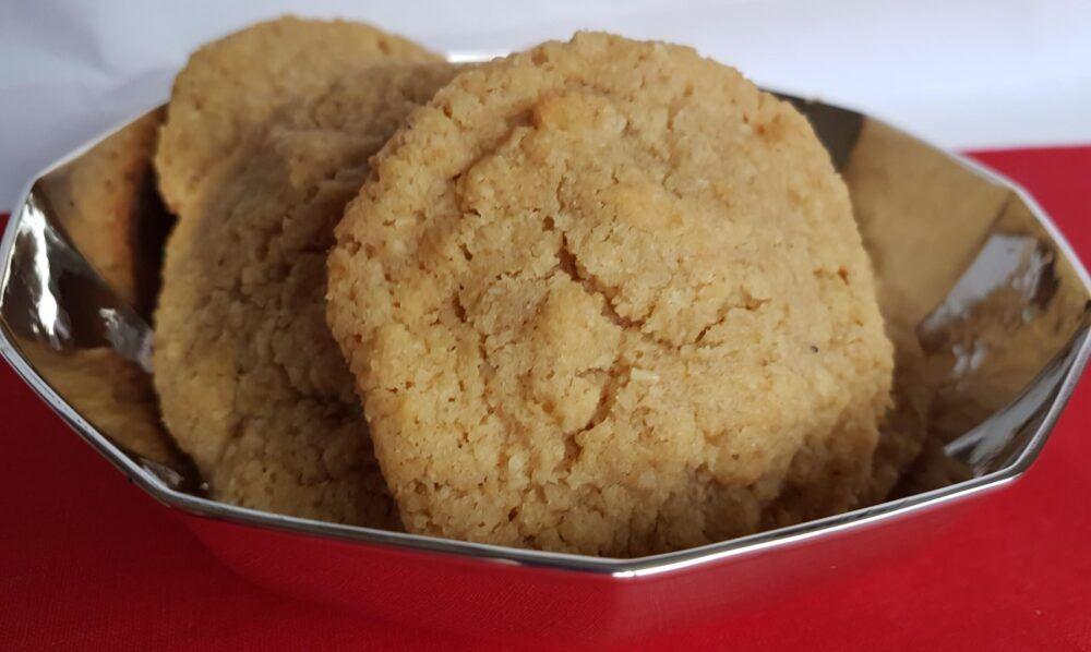 Heerlijke verse koekjes in een oud zilveren mandje Blog Zilver.nl