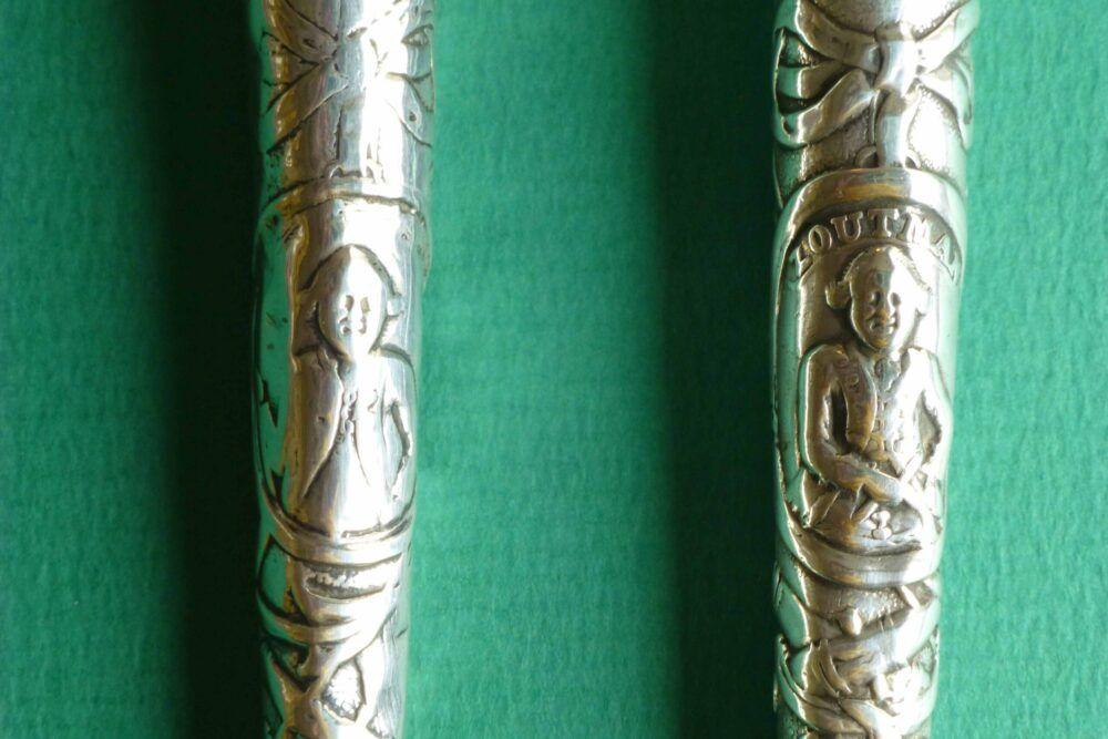 Detail antieke zilveren naaldenkokers Zilver.nl