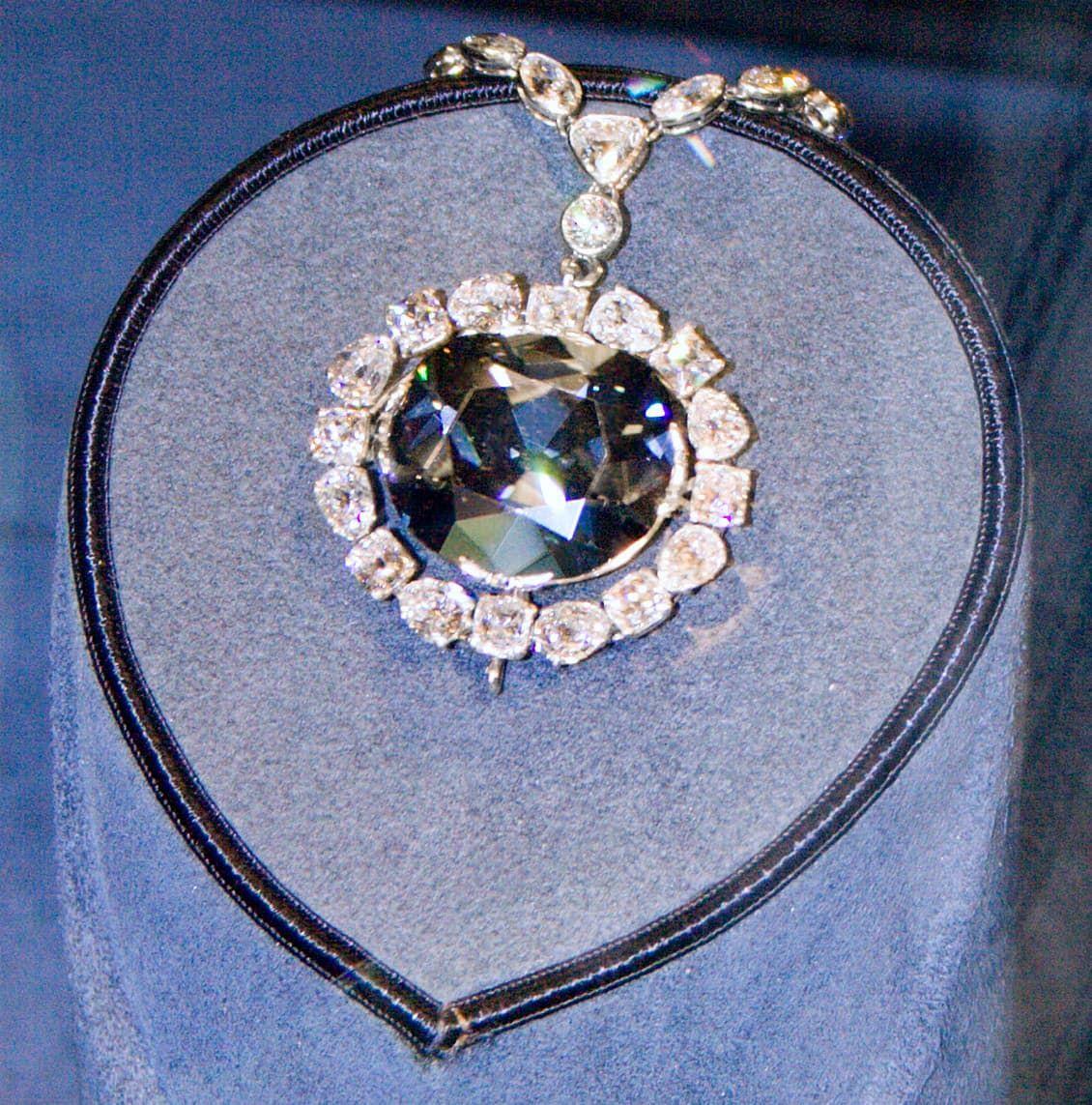 De Blue Hope diamant aan een collier Blog Zilver.nl