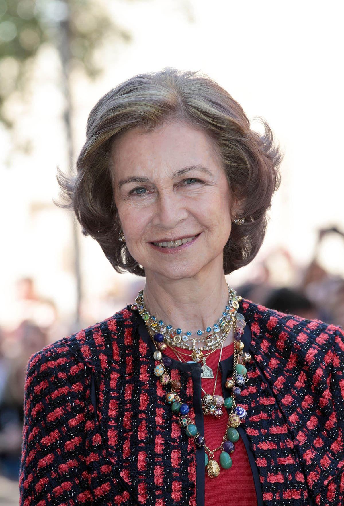 Koningin Sofia met haar Fabergé eitjes Blog Zilver.nl al