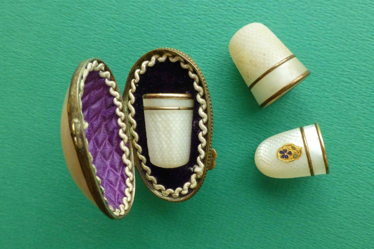 vingerhoedjes antiek van parelmoer