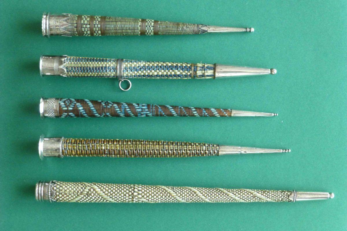 antieke zilveren breipenschedes met vogelveerschachten