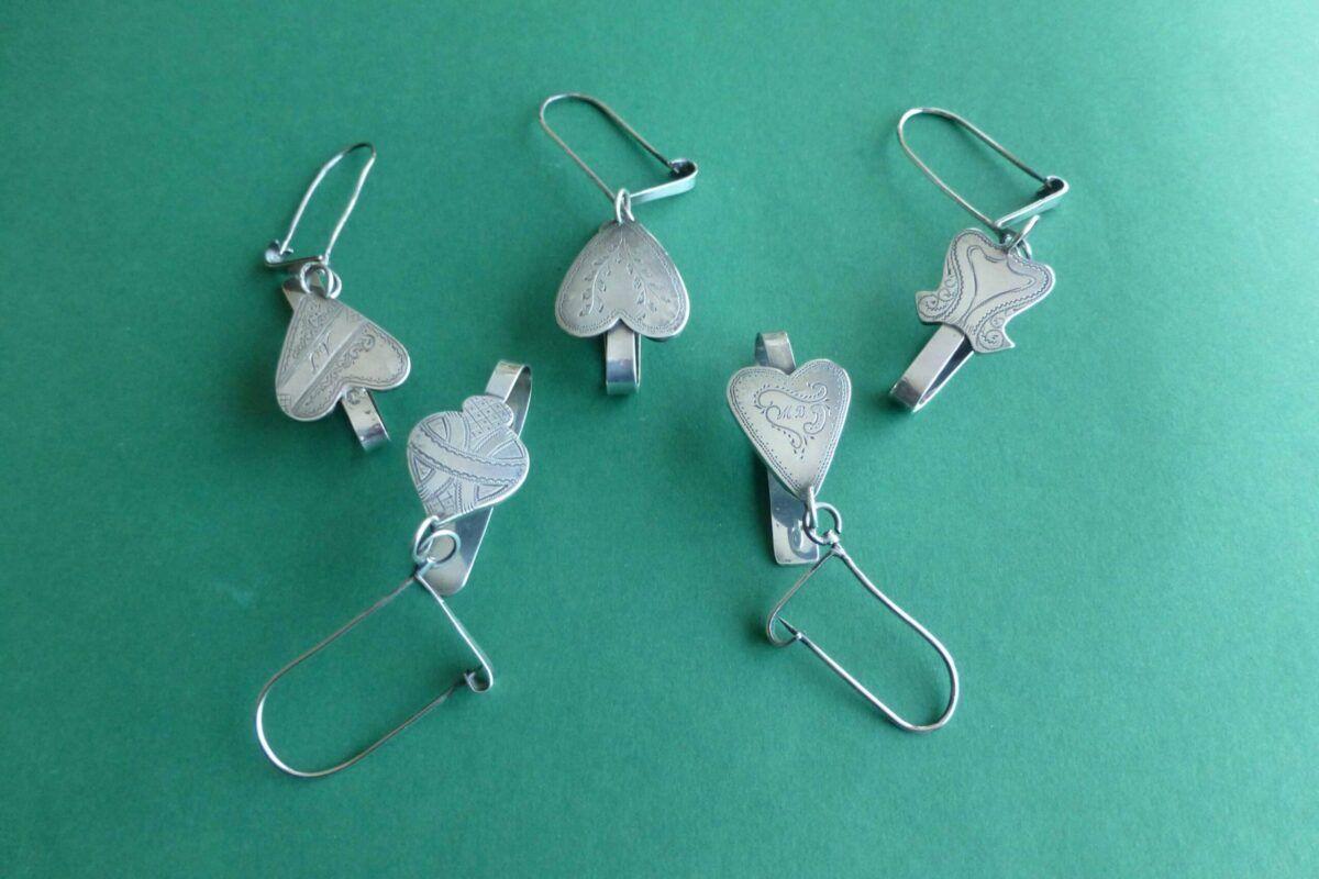Zilveren kluwenhaken in hartvorm Blog Zilver.nl
