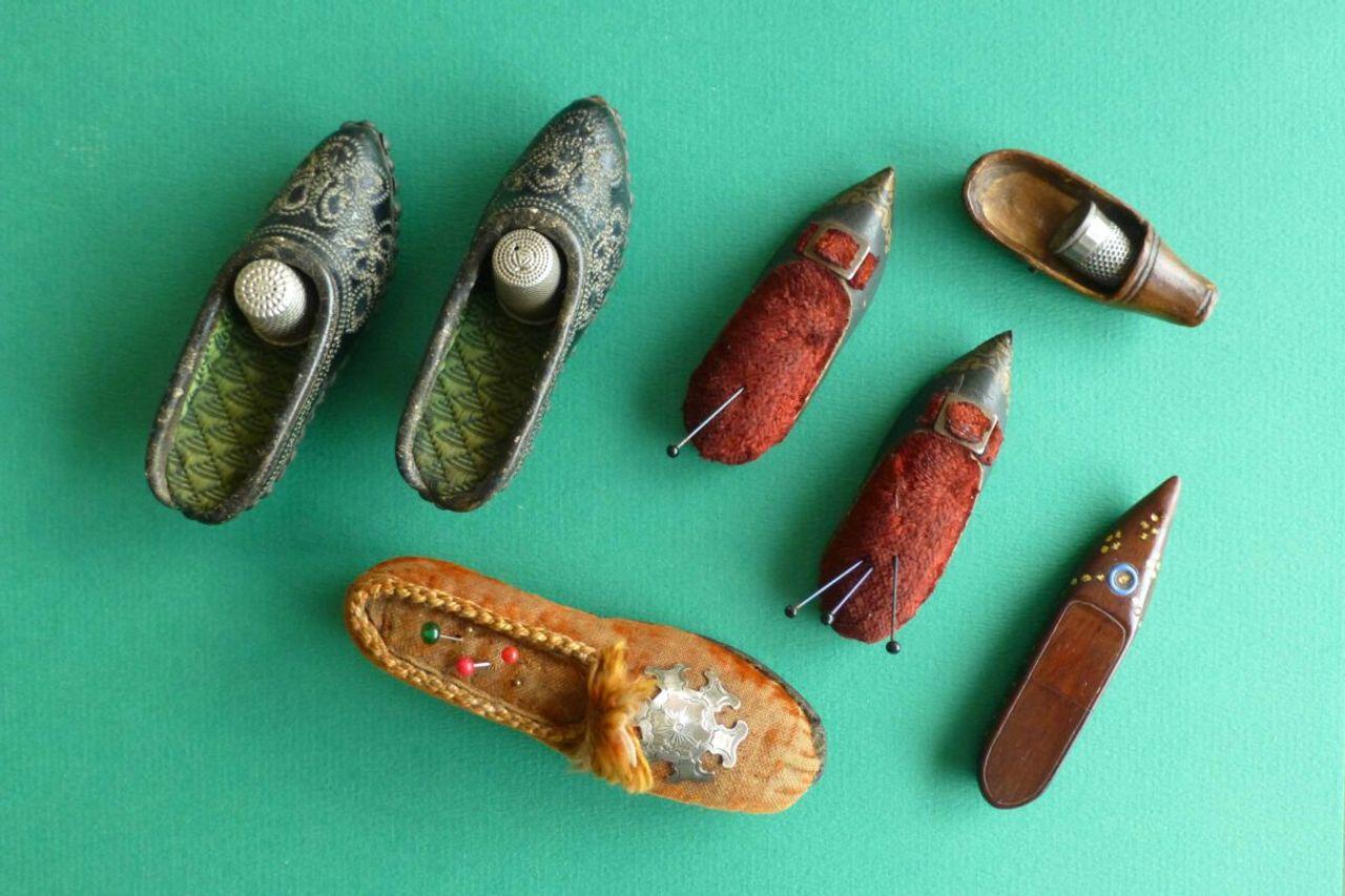 slofjes antieke vingerhoedhouders bij Zilver.nl