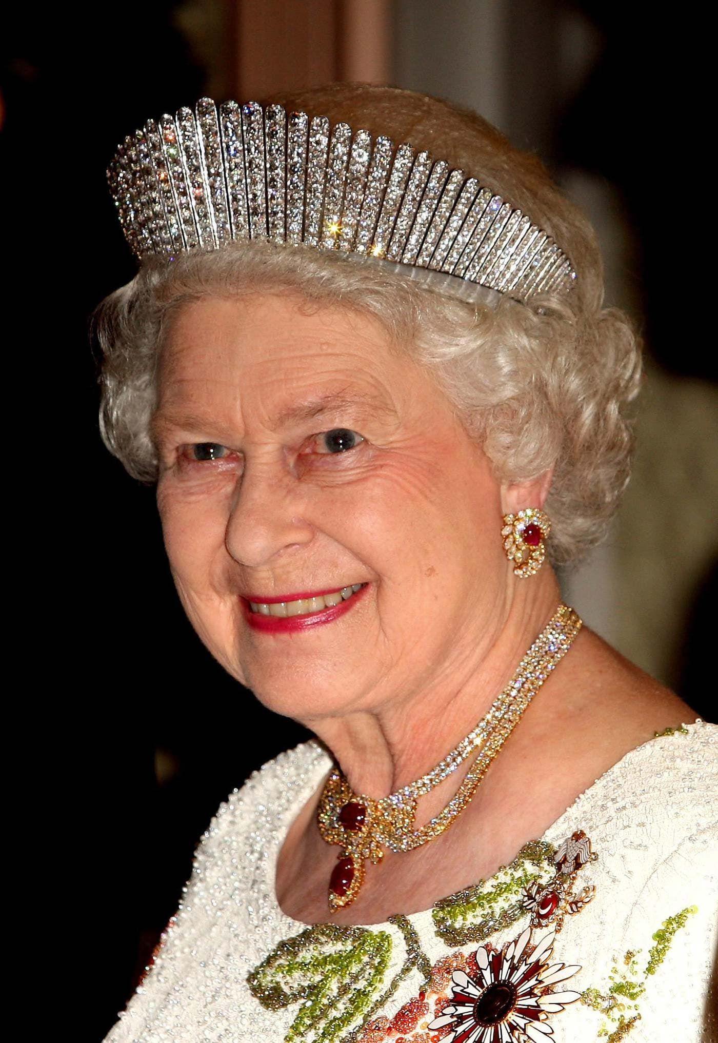 Koningin Elizabeth II met kokosnik Blog Zilver.nl