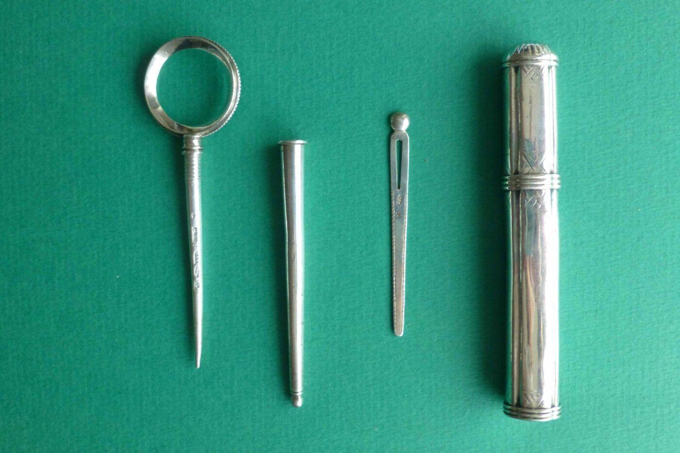 Antiek zilver naaigerei Familie Van Somerwil van 1686 tot 1850