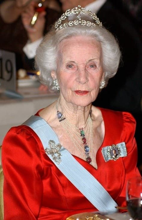 Prinses Lilian scarabee collier van Boucheron