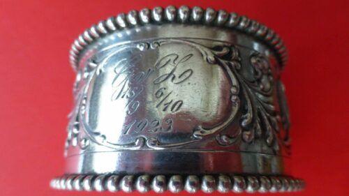 Antieke zilveren servetring met gravure Blog Zilver.nl