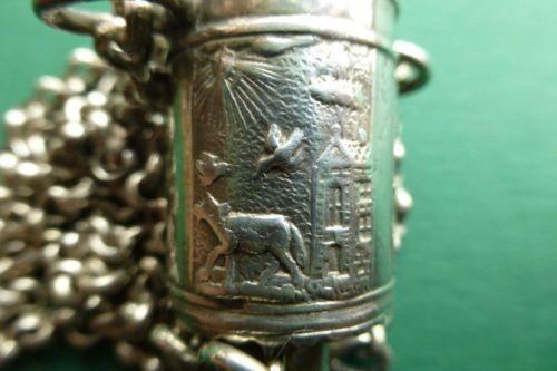 Detail van een antieke zilveren naaldenkoker Blog Zilver.nl