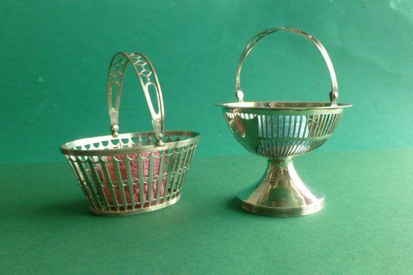 antieke zilveren kluwenmandjes wolmandjes uit Friesland 19e eeuw