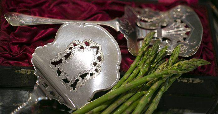 Zilveren aspergescheppen en zilveren aspergetangen