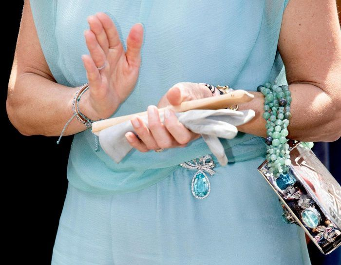 Koningin Maxima met de grote aquamarijn Blog Zilver.nl