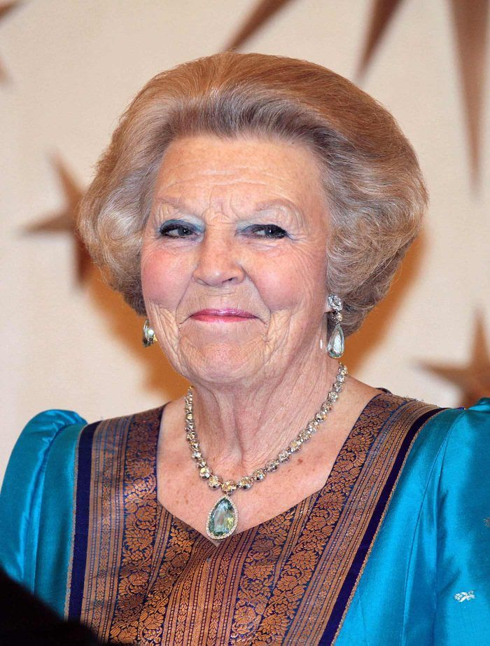 koningin Beatrix met de grote aquamarijn Blog Zilver.nl