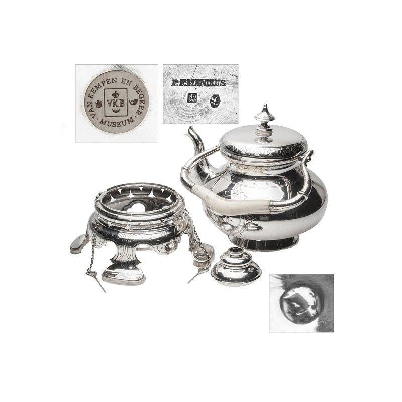 Zilveren bouilloir van Van Kempen